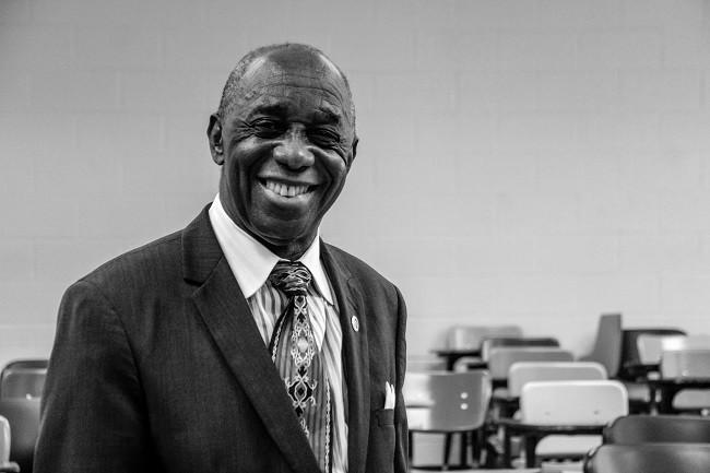 Thomas Mensah, le scientifique ghanéen qui a révolutionné la fibre optique