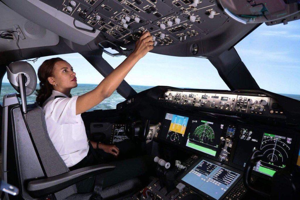 Amsale Gualu, première femme pilote de ligne d'Ethiopian Airlines