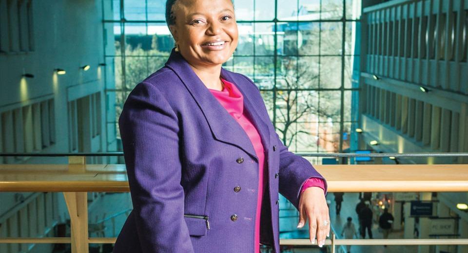 Siza Mzimela, Ancienne CEO De South African Airways, Nommée, CEO Interim De South African Express