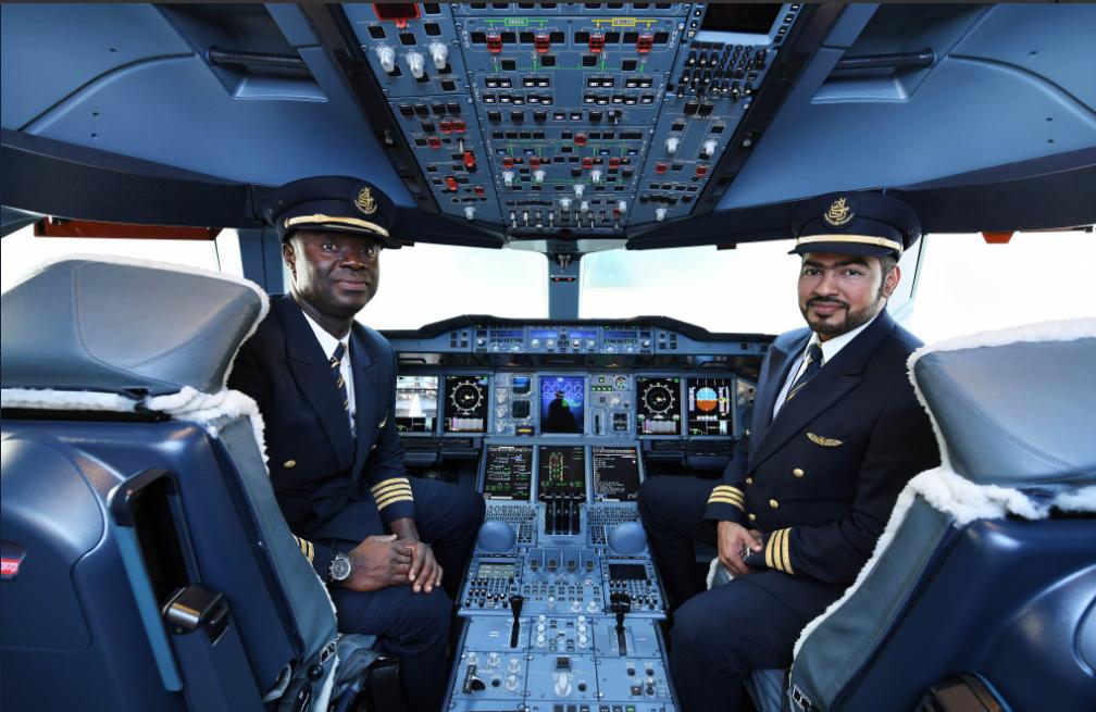 Atterrissage historique de l'A380 d'Emirates Airlines avec le pilote ghanéen Solomon Quainoo