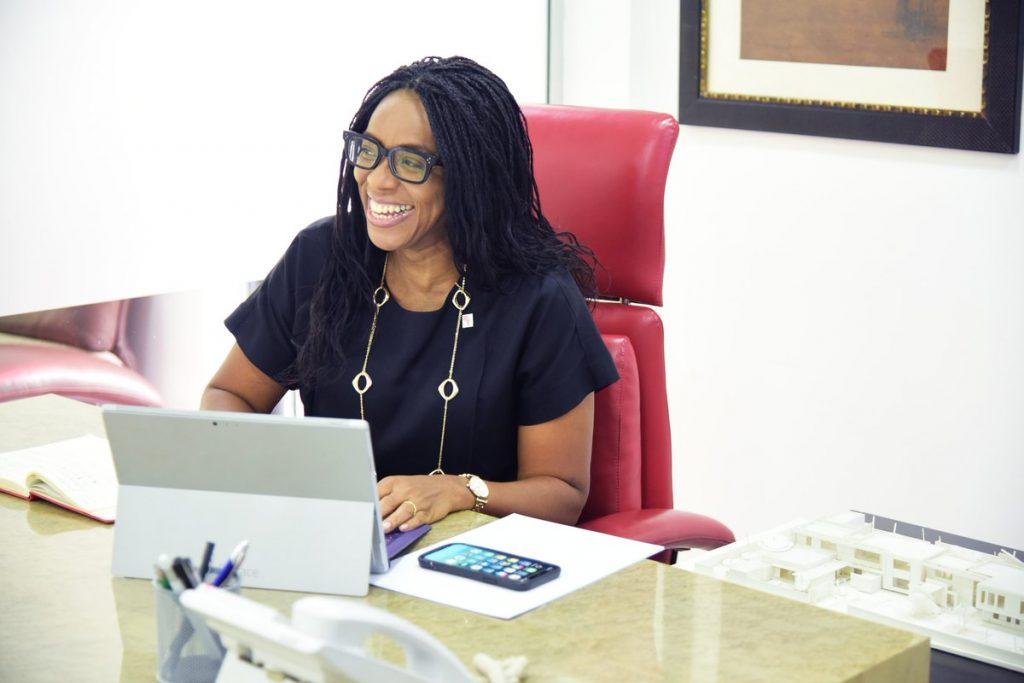 Uzo Oshogwe, championne de l'immobilier au Nigeria