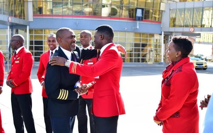 Joseph Kinuthia, 65 ans, le plus ancien pilote de Kenya Airways a pris sa retraite