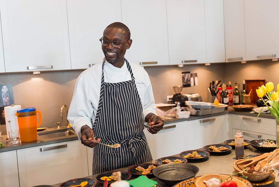 Usa Pierre Thiam Le Celebre Chef Senegalais Qui Exporte Les