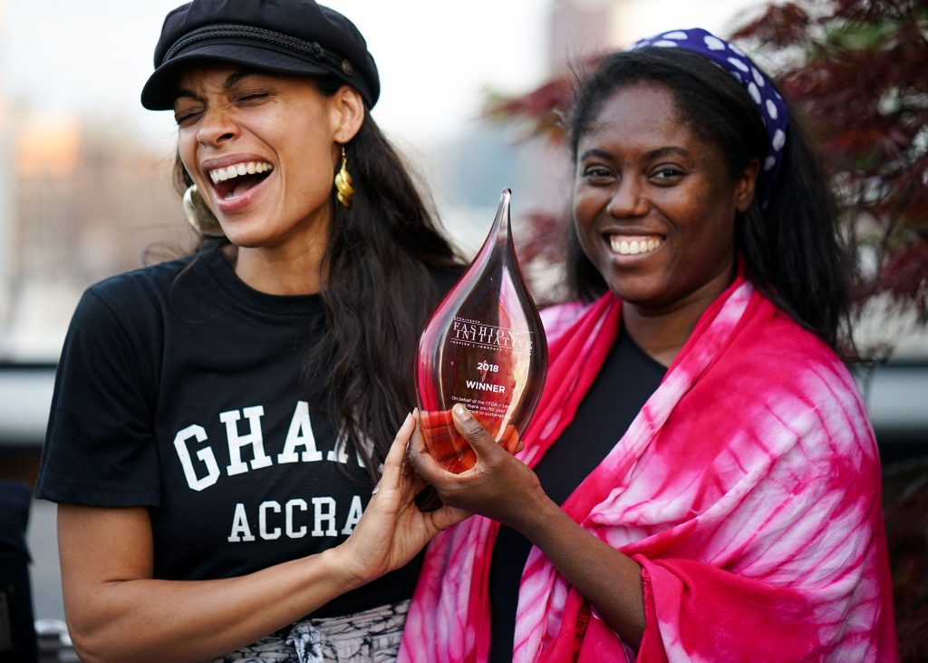 Abrima Erwiah et Rosario Dawson sur la première «Global Goal List» de Vanity Fair