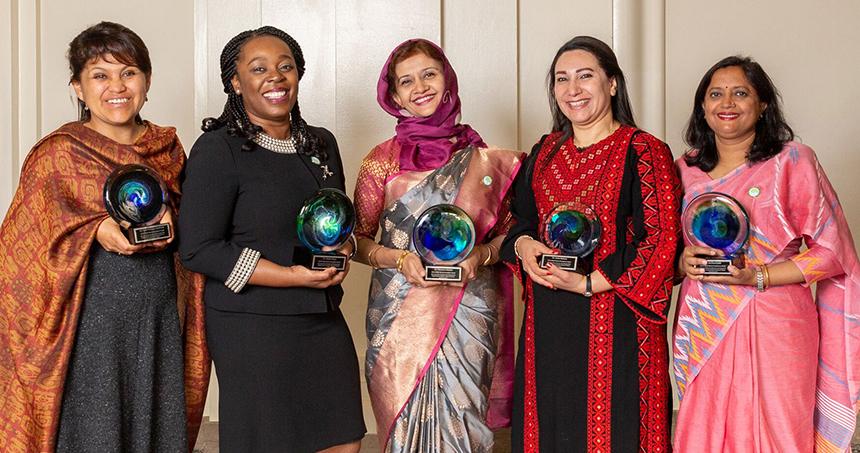 Gambie: Uduak Okomo, parmi les 5 lauréates du prix 2019 de la Fondation OWSD-Elseiver