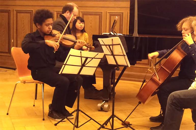 Allemagne: Akim Camara, le génie du violon