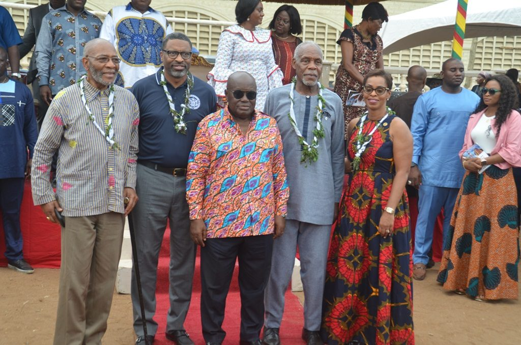 Year of return : Danny Glover et Steve Harvey en séjour au Ghana