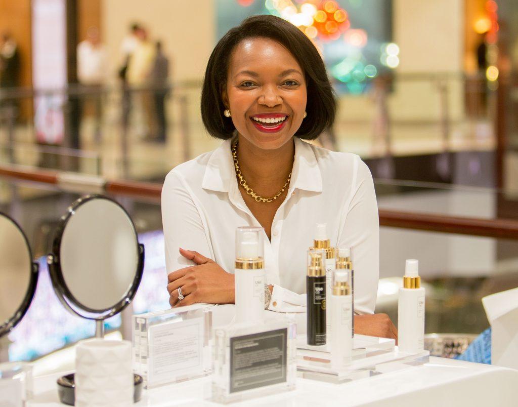 Dr Theo Mothoa-Frendo, premier médecin à créer une marque de cosmétiques en Afrique du Sud