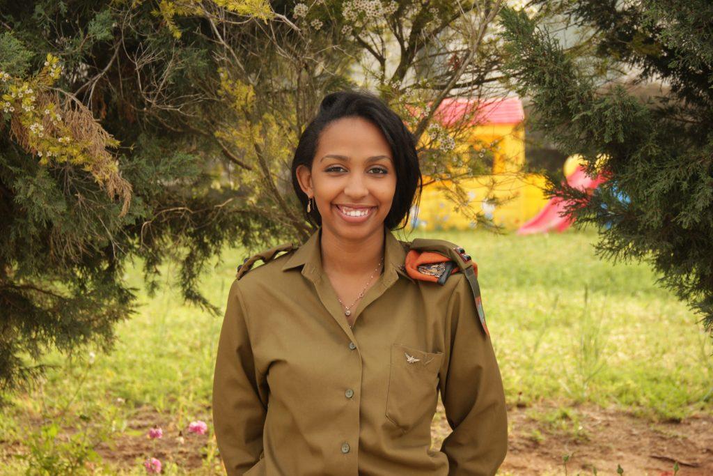 Tobi Cohen, 28 ans, première nigériane officier au sein de l'armée de défense d'Israël