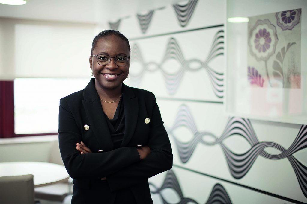 Vera Daves,35 ans, première femme ministre des Finances de l'Angola
