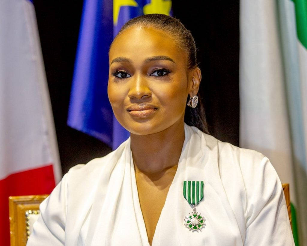 Nigeria:Bella Disu, 33 ans, a reçu le titre de « «Chevalier de l'ordre des Arts et des Lettres»de la France