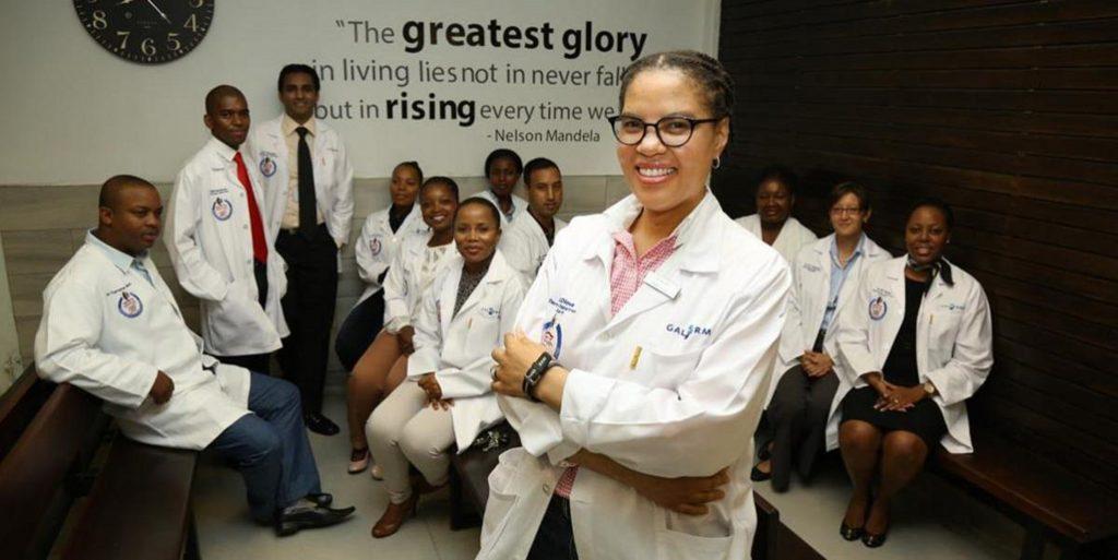Dr Ncoza Dlova,dermatologue à la base de la découverte d'un gène qui cause la perte de cheveux